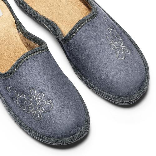 Pantofole con ricamo bata, grigio, 579-2280 - 19