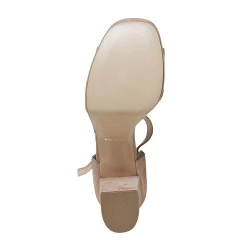 Sandali di pelle con tacco bata, beige, 763-8568 - 26