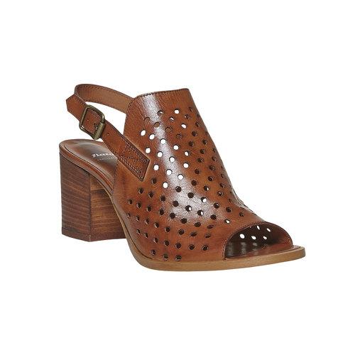 Sandali da donna in pelle con perforazioni bata, marrone, 764-3589 - 13