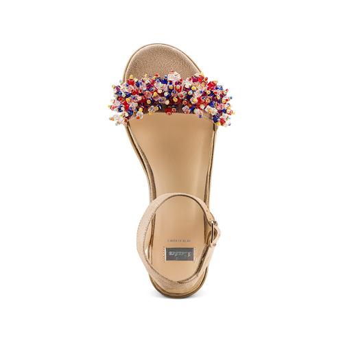 Sandali con applicazioni multicolore bata, beige, 669-8283 - 17